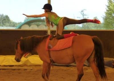 therapie_avec_le_cheval_ados_voltige-4593d